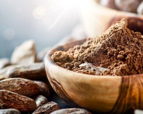 Poudre et fèves de cacao de haute qualité